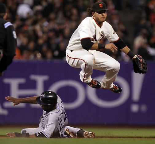Brandon Crawford can jump like nobody's business